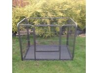 Dog/puppy pen with gate