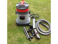 Wet and dry 30 litre Vacum cleaner