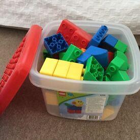 Dulpo lego bricks quatro