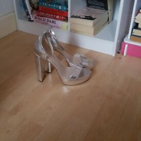 silver heels size 7