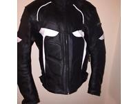 RIDEX Mens Motorbike Protective and Fashion Leather Jacket Size L, fully armoured