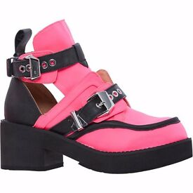 Jeffrey Campbell Neon Pink&Black Cut Out Ankle Boots size 6 - NEW