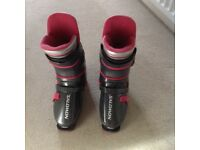 Men's Salomon ski boots