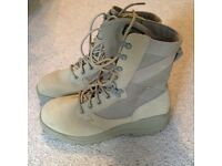 Good quality light weight Magnum boots, size 7uk. Very good condition never worn outside.