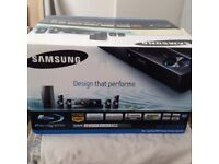 SAMSUNG HOME CINEMA SURROND SYSTEM BLUE RAY DVD PLAYER