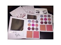 KYLIE JENNER LIMITED EDITION VALENTINES BRAND NEW EYESHADOW PALETTE