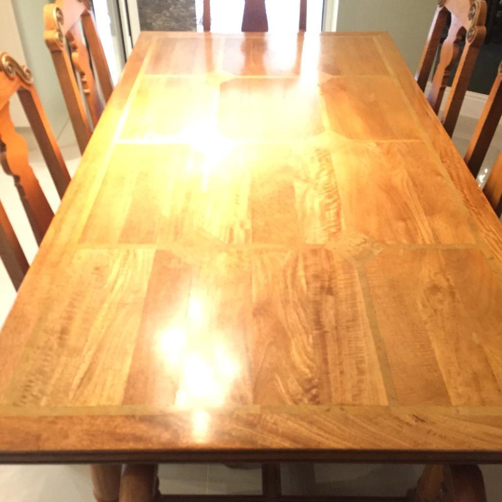 Flagstone 6 seater table with 6 chairs