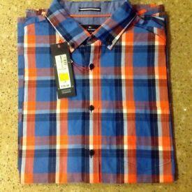 Blue Harbour Short Sleeved Shirt, Size L, Regular Fit £10.99. Was £29.99.