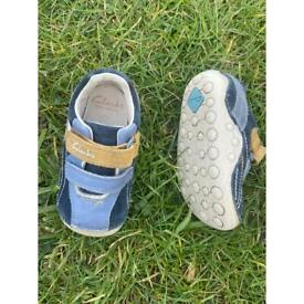 Clarks first shoes uk infant 4F