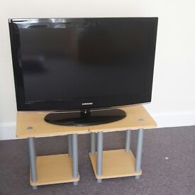 "Samsung 32"" HD Flatscreen Television"