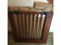 2 premium twin dreambaby wooden gates