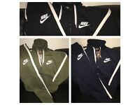 Men's NIKE Tracksuit - Slim fit - Full set - 3 colours - Joggers and hoodies
