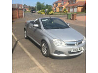 "Vauxhall tigra 1.4 twinport 2009 ""09"" Silver black trim ,alloy wheels perfect for this great weather"