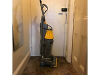 Used Dyson root cyclone 8 vacuum cleaner