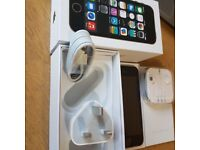 IPhone 5S Grey 16GB Unlocked to all network Condition like new with no scratches