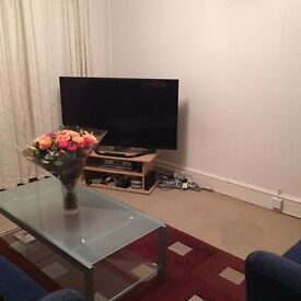 LARGE DOUBLE ROOM AVAILABLE IMMEDIATELY