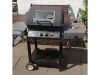 Gas barbecue with 2 burners
