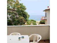 £80 pw lovely flat 20m from the sea Italy close to cultural, historical and religious attractions