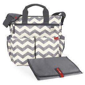 Skip Hop Duo Signature Changing Bag Chevron (Grey)