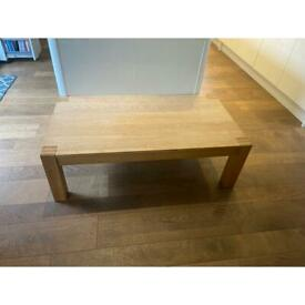 Oak coffee table excellent condition