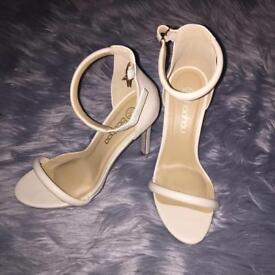 Size 5 new white boohoo shoes