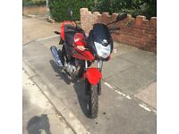 Honda CBF 125 motorcycle, new 1 year MOT 13k only Fuel Injection Grab a bargain