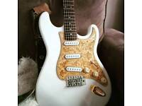 Modded aria strat with hardcase £150 tonight