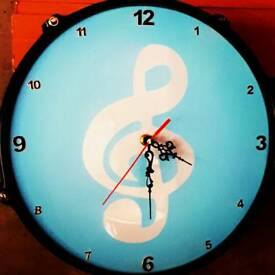 Upcycled music note, treble clef drum clock