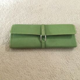 Jewellery case holder/purse from links