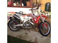 Honda cr 250 2 stroke