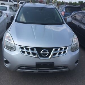 2012 Nissan Rogue SL AWD| No accidents| Parking sensors