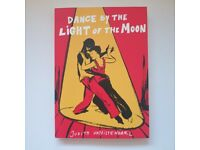 Dance by the light of the moon Graphic Novel Literature Paperback