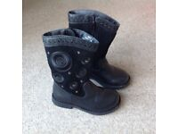 Girls black leather boot size 8