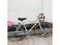 Vintage Raleigh Sprint Road Racing Bicycle. Gears and dynamo lights in working order. Excellent