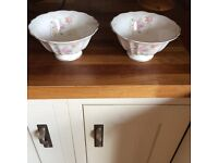 Royal Doulton Serving bowl/Fruit X 2.small bowls