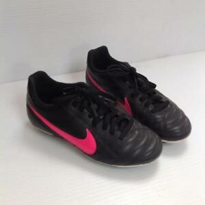 Nike Soccer Cleats Youth size 1 (SKU:SGGNDE)