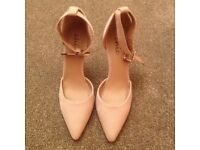 HIGH HEEL SHOES SIZE 6