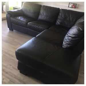 Leather chaise lounge Dubbo Dubbo Area Preview