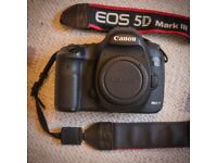 CANON EOS 5D MKiii camera body - mint condition, very low shutter count (8366)