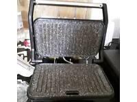 Varible temperature controled ceramic grill
