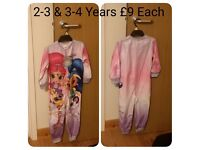 Brand New Shimmer And Shine Onesie Age 2-3 & 3-4 Years.