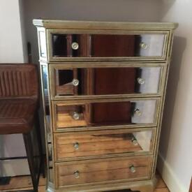 Priced for quick sale! Beautiful high quality mirrored chest of drawers