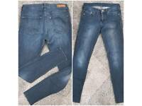6 pairs of Jeans size 10