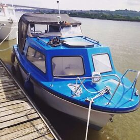 19FT Cabin Boat For Sale - Inc Trailer - Ready To Use 70 bhp