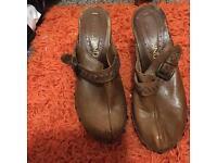 Size 4 clog style shoe
