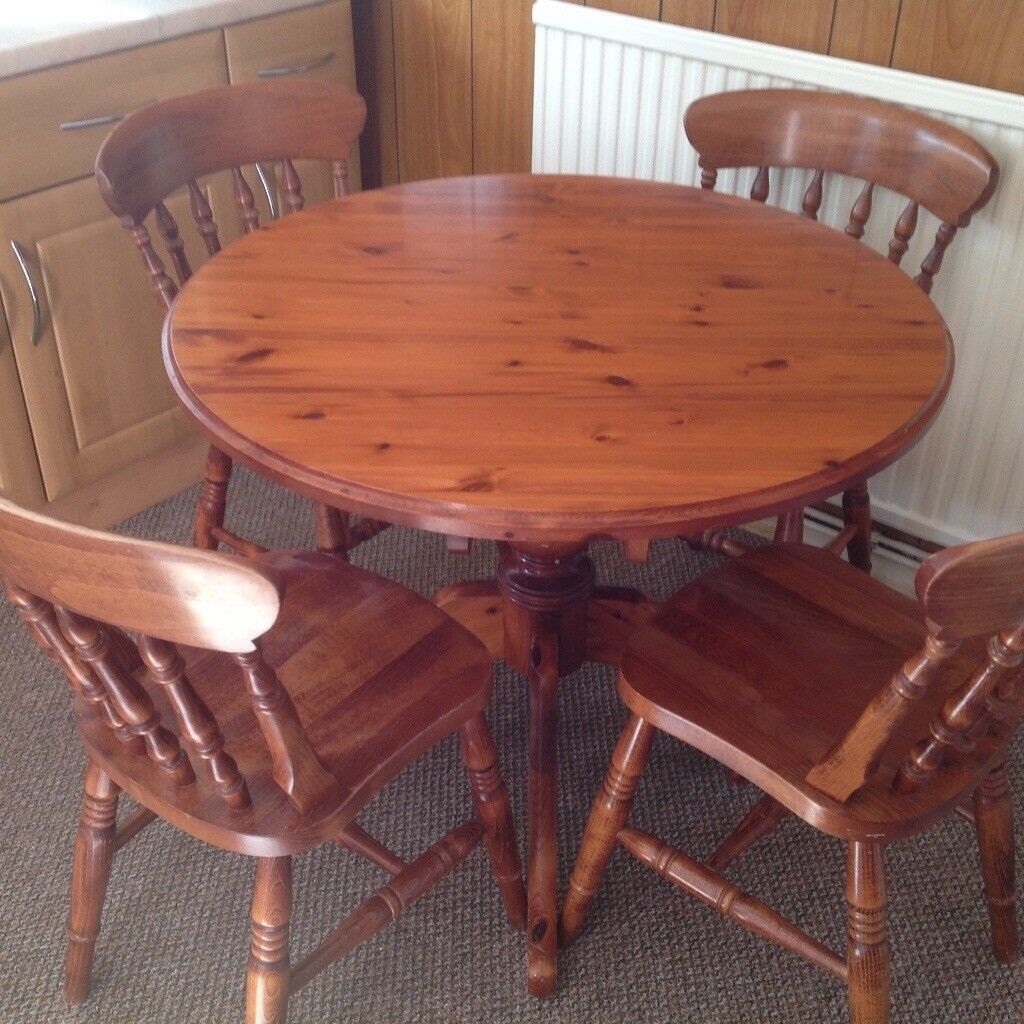 Kitchen Bench Gumtree: Solid Pine Round Dining Table And Four Chairs
