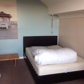 Double room available asap for one or two people|Old Street Station-northern line|
