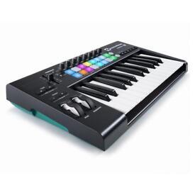 Novation Launchkey 25 MKII MIDI keyboard with launchpad