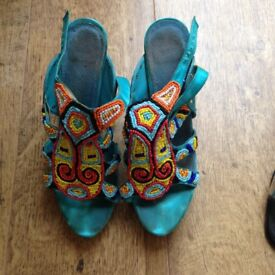 ladies yellow and blue sandals size 5