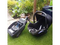 Maxicosi car seat with base very good cond